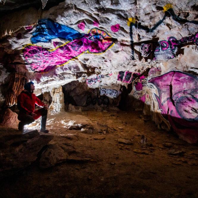 Poslikave sodobnega jamskega človeka